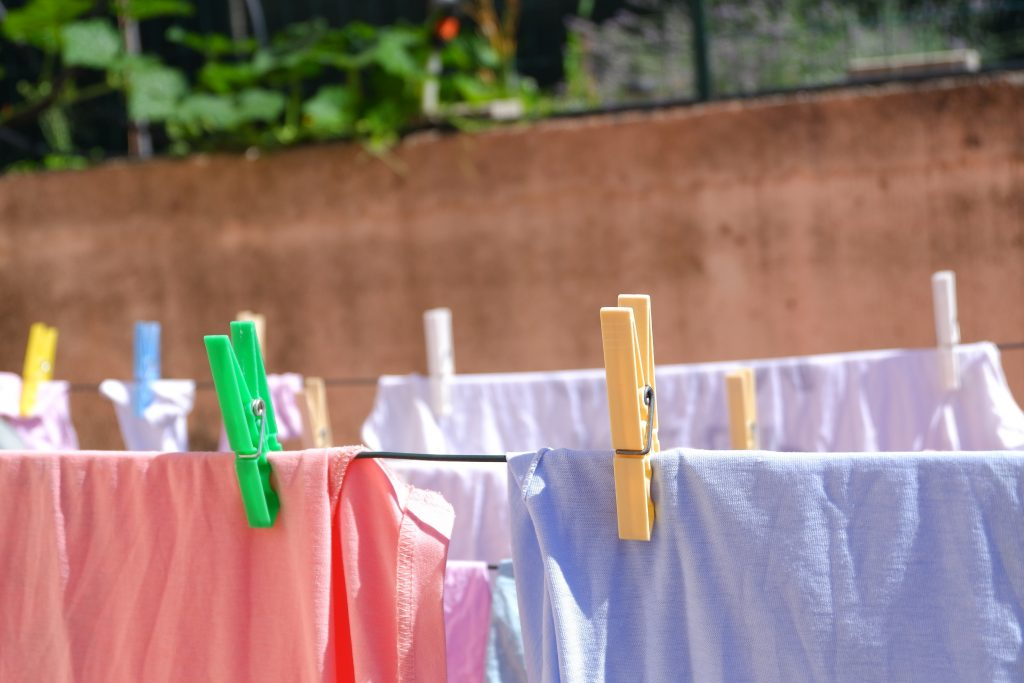 Reasons why you should use professional laundry services